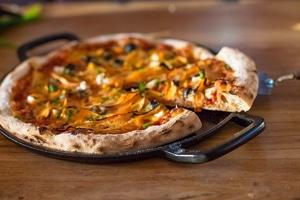 lodge pizza